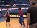 Leçon de basket avec les harlem globe trotters