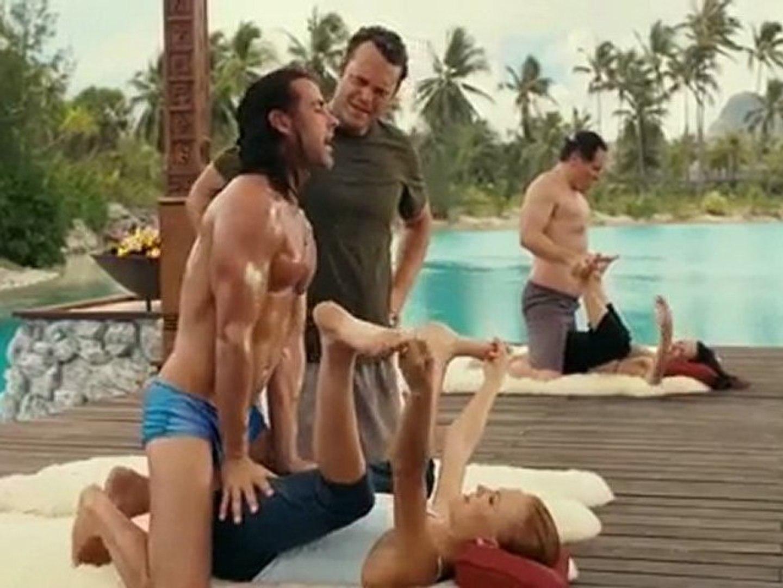 Vince Vaughn Barefoot >> Couples Retreat Movie Trailer