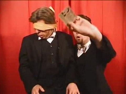 Fred Roby & sein Püppie Show – Augenbinde