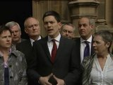 Miliband throws Labour leadership hat into ring