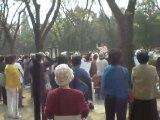 Temple du Ciel Beijing - Chant dans la clairière