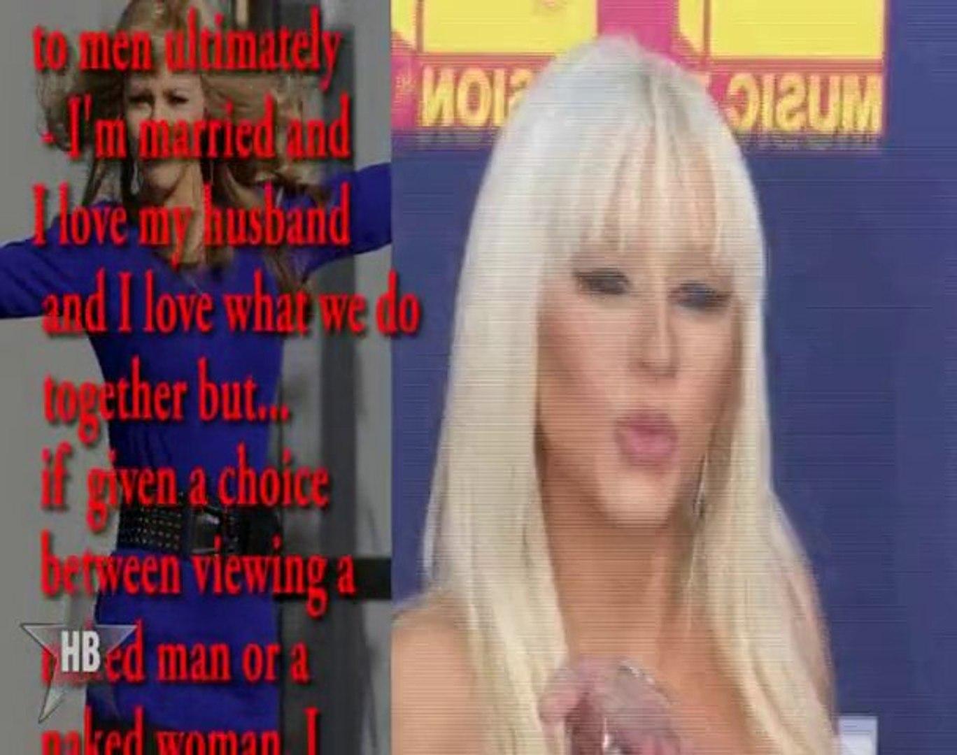 Christina Aguilera Into Female Strippers!!