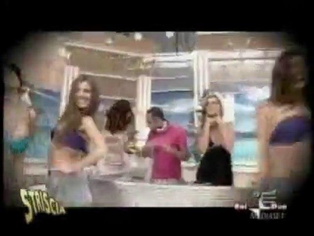 Le sein qui s'échappe du bikini à la TV