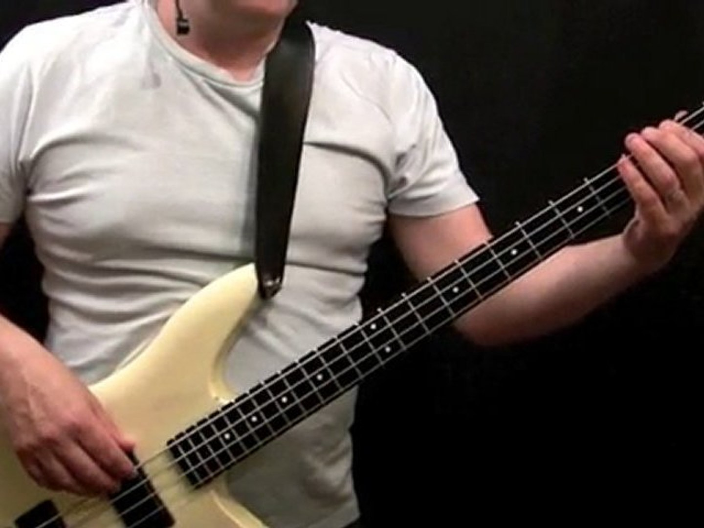 How To Play Bass To Tush - Beginner's Bass Lessons