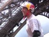 Il saute à roller du 1er étage de la Tour Eiffel
