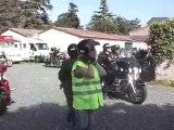 Départ des Harleys Après le Pot de l' Amitié Offert par Jean