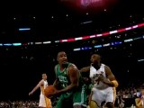 Kevin Garnett finds Glen Davis inside for the dunk.