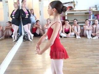 Lucie, 10 ans, espoir de la danse classique
