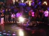 Motos dans la discotheque !!!