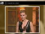 Scarlett Johansson émue aux larmes !