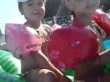 Juillet 2010 - A la piscine chez Carole et Pascal