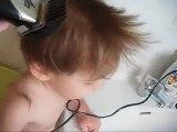 Vidéo - Arthur se fait couper les cheveux - 14.07.2010