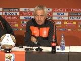 Van Marwijk tells Dutch to keep eyes on the prize
