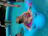 rosalie à la piscine