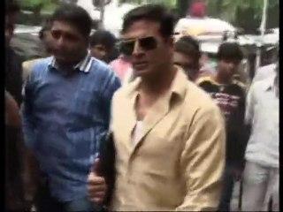 Akshay Kumar promotes latest bollywood movie Khatta Meetha