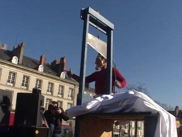 14 Juillet 2010 - La guillotine !