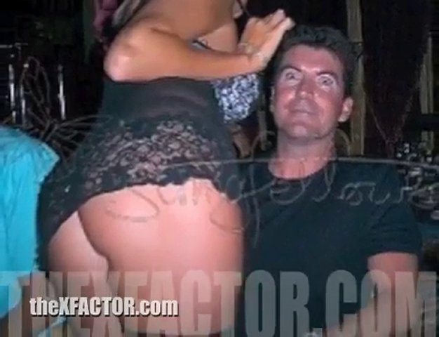 Simon Cowell looks cheap in his t-shirts?!