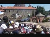 le catapultage du Bouffon (Bataille du Donjon, Puy du Fou)