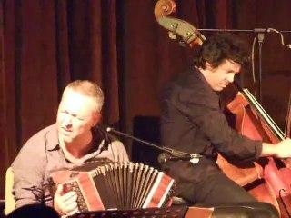 aZango en concert