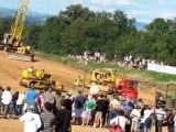 Match de foot avec des buldozer........si si