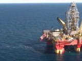 Greenpeace protesters storm rig off Greenland