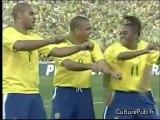 Pub Nike avec Ronaldinho, Ronaldo & R. Carlos.