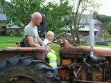 Noé et papa sur le tracteur