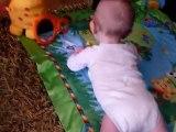 AlexandreB34 se retourne sur le ventre (09/2010)