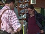 Visite chez un fabricant de pantalons bavarois typiques