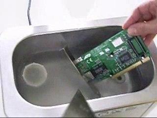 Lavatrici e lavaggio ad ultrasuoni di schede elettroniche