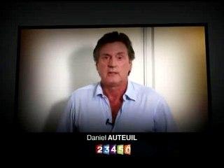 Daniel Auteuil en soutien aux otages en Afghanistan