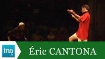 "Eric Cantona ""Ode à Canto"" au théâtre - Archive INA"