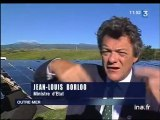 Energie : [Jean Louis Borloo en visite dans une station de fourniture d'énergie renouvelable]