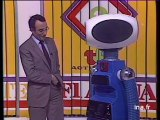 Yves Mourousi et Sico le Robot amoureux - Archive INA