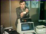 Michel Chevalet nous explique Les cartes de crédit électroniques - archive vidéo INA