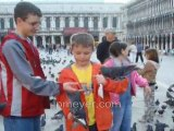 Italy travel: Venices St. Marks Square feeding pigeons, pt 4