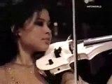 Vanessa Mae Plays Toccata Fugue – Keman Videoları