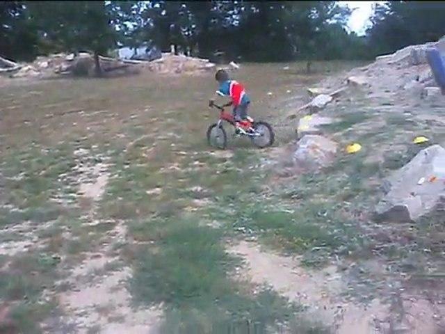 Petite video avec hélico Rc entrainement trial