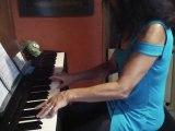 Mélodie   PETITE MARIE....après 8 mois de piano...en autodidacte..