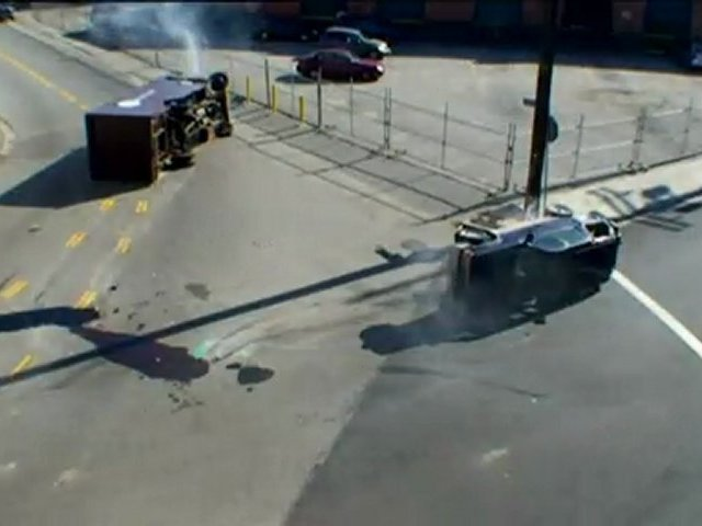 01-Supervivencia Urbana-Vehículo en llamas