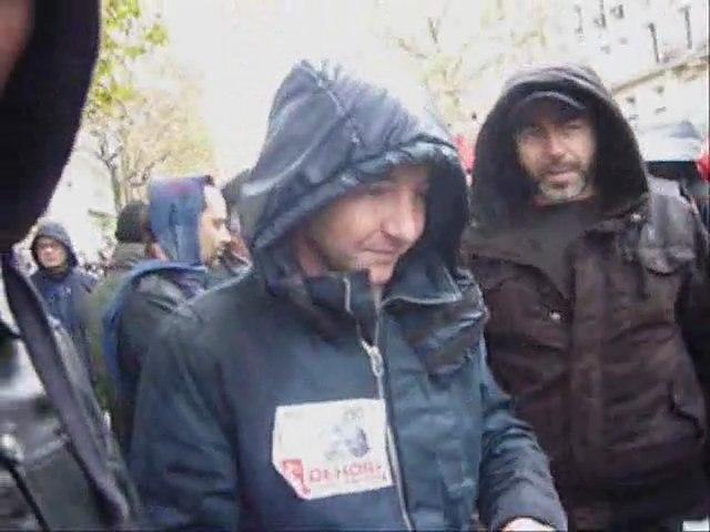 Olivier Besancenot face à We Are Change Paris