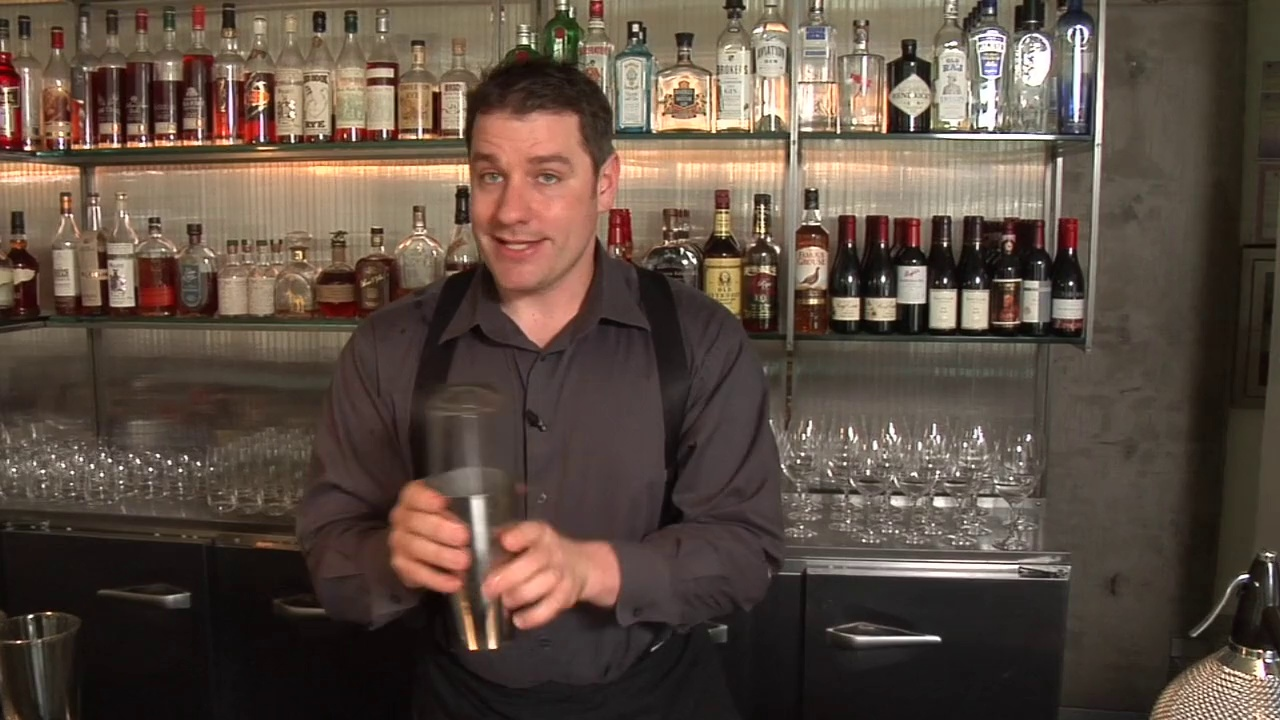 Raising the Bar – How to Shake a Cocktail
