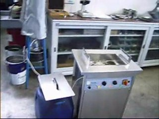 lavatrice ad ultrasuoni per lavaggio motori da competizione1