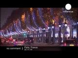 A Paris, les Champs-Elysées s'illuminent