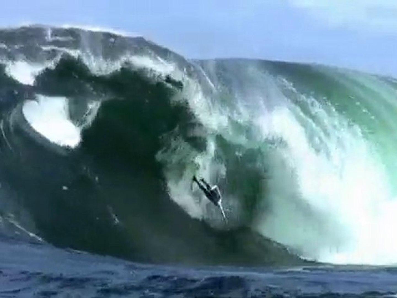 SURFERS RIDE GIANT WAVES AROUND THE WORLD-BILLABONG XXL