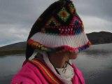 Chasse au canard sur le lac Titicaca, Perou.