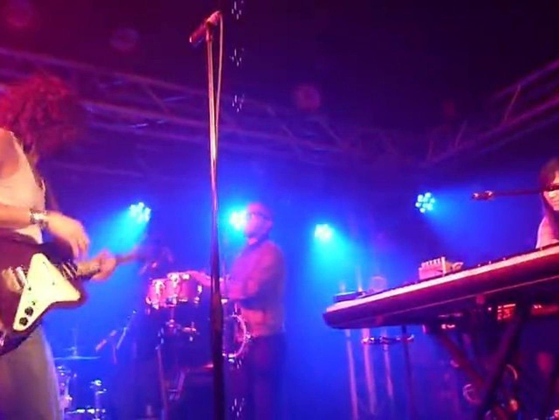 MEDI Live @ La Boule Noire Dec 2010