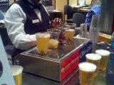 Verres de bière remplis par le dessous [Invention]