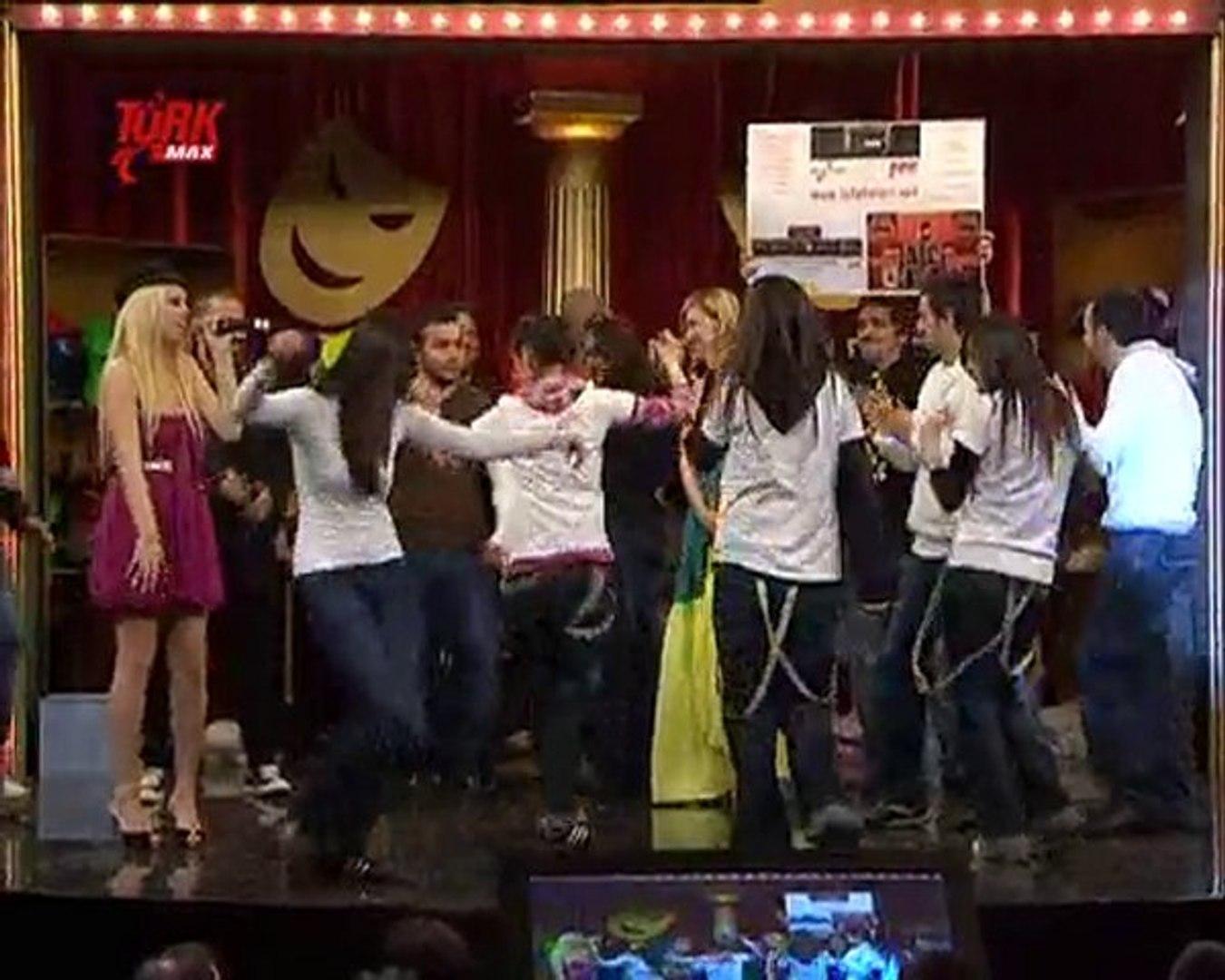Laf Ebeleri - Cem Yılmaz Robot Dansı - Ceza ft Doa