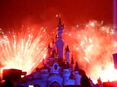 feu d'artifice du nouvel an 2011 a disneyland paris
